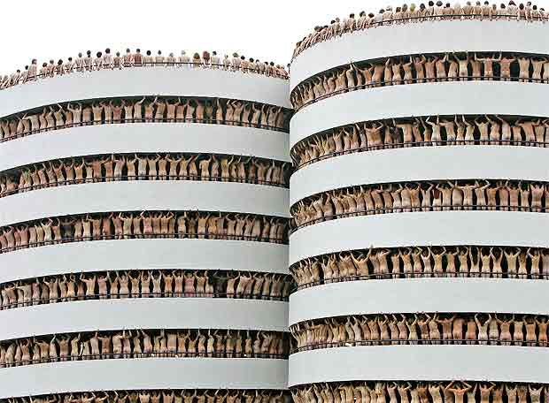 Spencer_Tunick