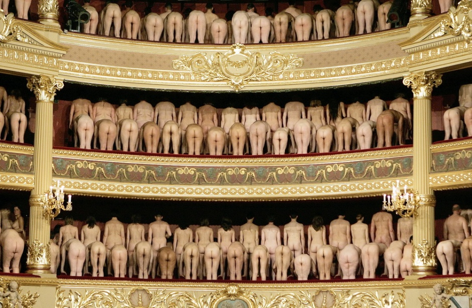 Spencer Tunick at the opera
