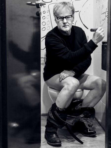 garbade,Pablo F. Juarez,cafe belen,21%,naked,wc,drawing